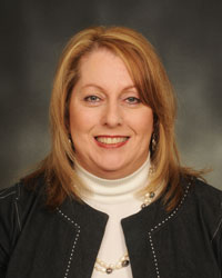A photo of Deniece Hamilton.