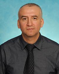 A photo of R. Osvaldo Navia.