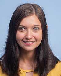 A photo of Alayna Mellott.