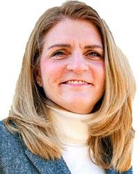 A photo of Lisa Holland.