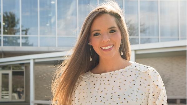 MEET OUR GRADS: Lauren Linton