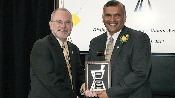 WVU School of Pharmacy's Suresh Madhavan recipient of Distinguished Pharmacy Alumni Award from Purdue University