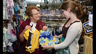 Friends of WVUH Gift Shop celebrates Evelyn Andrews' 11,000 volunteer hours
