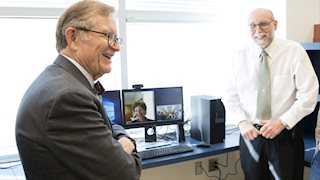 Gee welcomes new cancer researchers to WVU