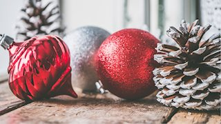 Holiday decorating guidelines at Health Sciences
