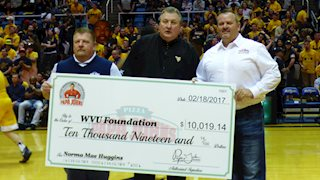 Papa John's donates $10K to cancer research at WVU Cancer Institute