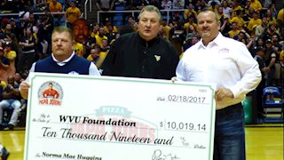 Papa John's donates $10K to research at WVU Cancer Institute