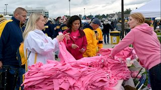 Mountaineer proud ... and pink