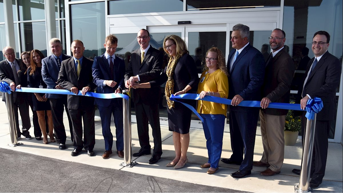 Ribbon-cutting ceremony held at new Waynesburg outpatient clinic