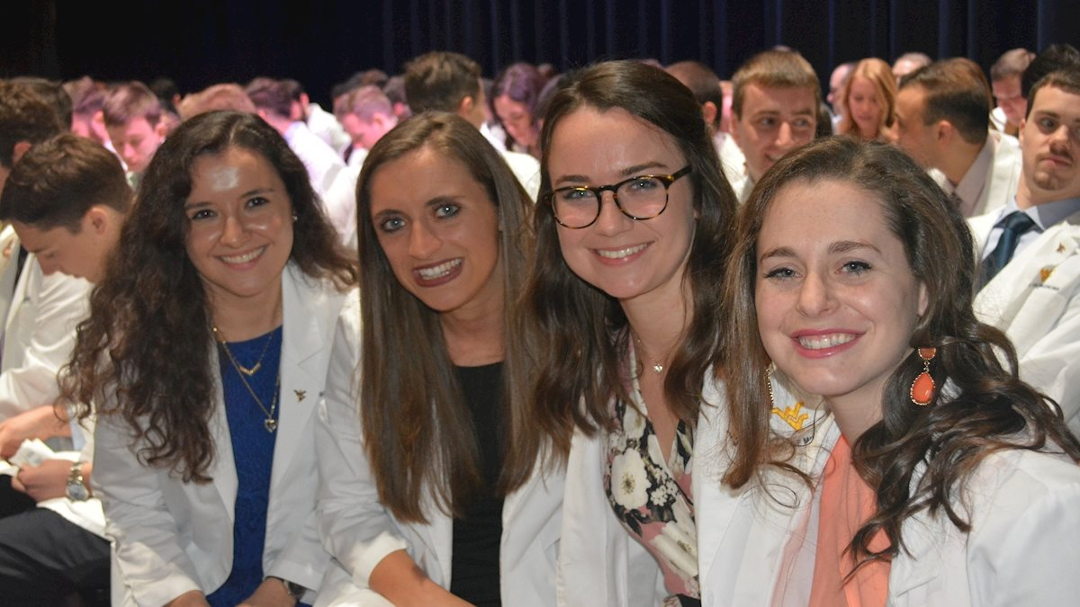 School of Medicine faculty invited to 2020 M.D. White Coat Ceremony