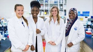 School of Medicine offers research internships for Immunology and Medical Microbiology students