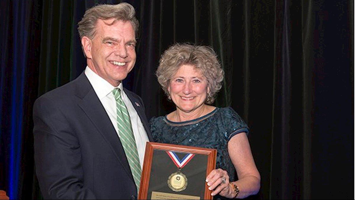School of Medicine's Rebecca Schmidt wins national award