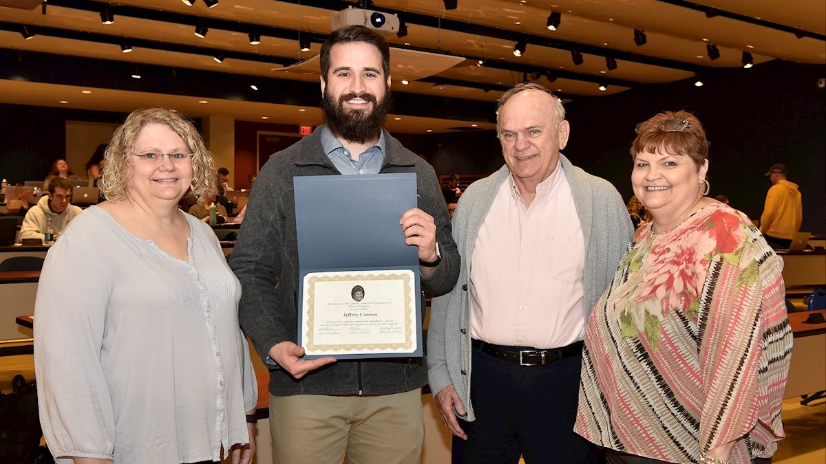School of Medicine student wins Pat Fedeles Award for Compassion