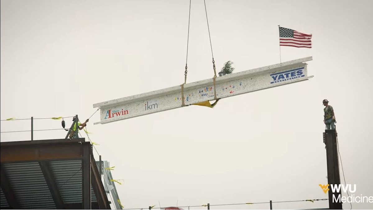 VIDEO: Final WVU Medicine Children's beam glides into place