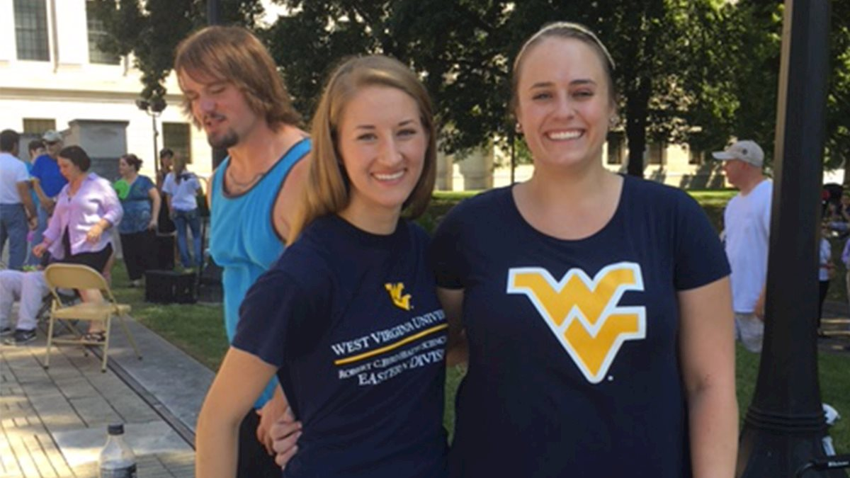 WVU Charleston School of Medicine Students participate in West Virginia Overdose Awareness Day