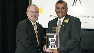 WVU School of Pharmacy's Suresh Madhavan recipient of Distinguished Pharmacy Alumni Award from Purdue University